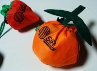 108679c-A torba na zakupy składana do kształtu owocu