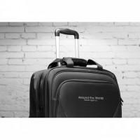 8384m-03 Biznesowa walizka na kółkach