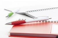 AP809382c długopis z kolorowym gumowym uchwytem