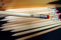 37667p-08 Ołówek z gumką, czerwony/ecru